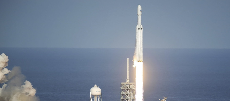 взлет Falcon Heavy SpaceX