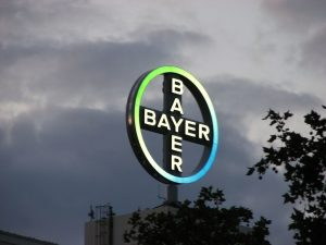 Bayer-Monsanto заплатить $289 млн за канцерогени в гербіцидах